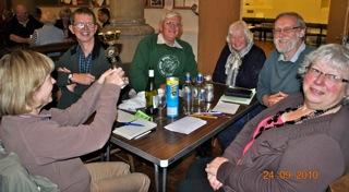 The winning team 2010 - Karen & Steven Crowhurst, Rodney Cole, Virginia Cole, Grahame Pointon, Christine Vincent.